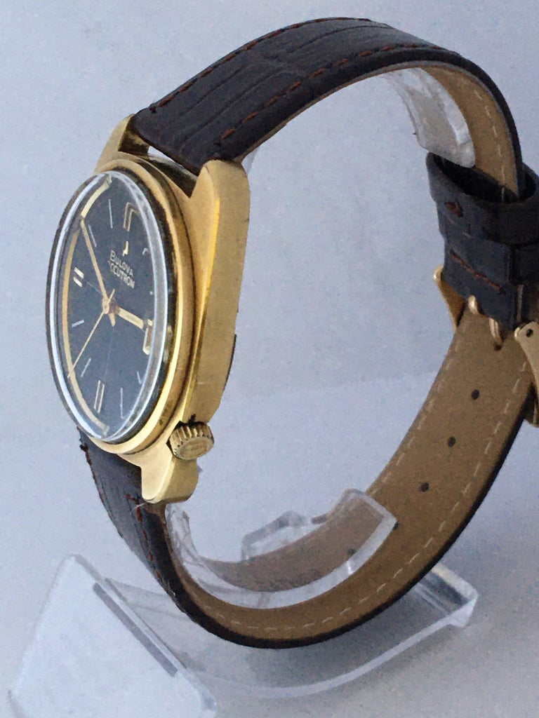 Vintage 1970s Gold-Plated Bulova Accutron Gent Watch For Sale 11
