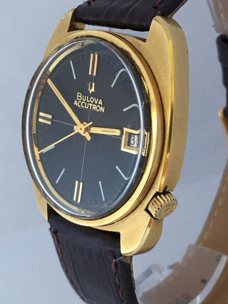 Vintage 1970s Gold-Plated Bulova Accutron Gent Watch For Sale 12