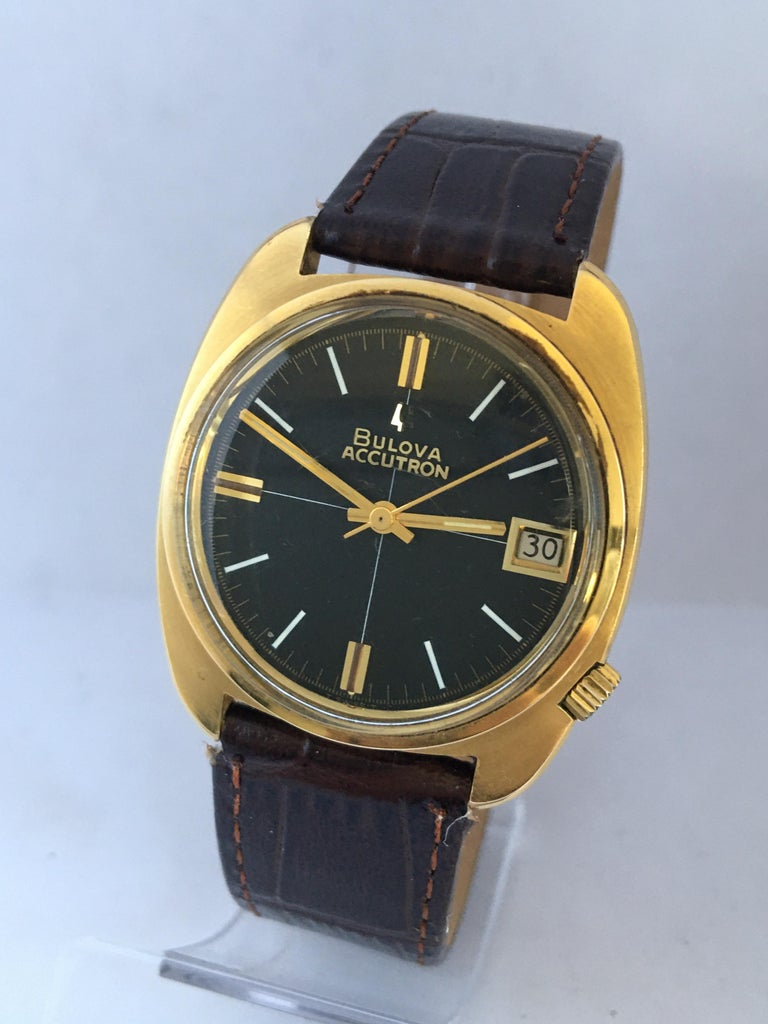 Vintage 1970s Gold-Plated Bulova Accutron Gent Watch For Sale 13