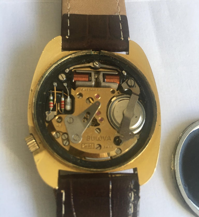 Vintage 1970s Gold-Plated Bulova Accutron Gent Watch For Sale 14