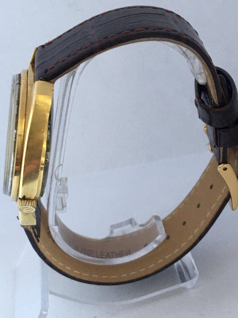 Vintage 1970s Gold-Plated Bulova Accutron Gent Watch In Good Condition For Sale In Carlisle, GB
