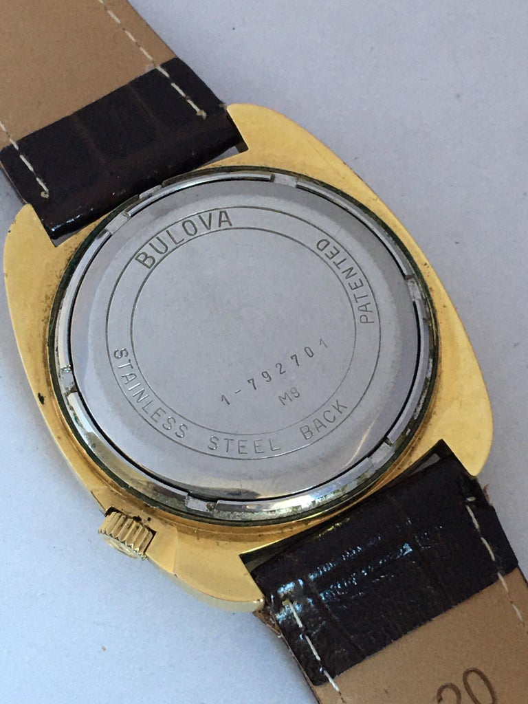 Vintage 1970s Gold-Plated Bulova Accutron Gent Watch For Sale 2