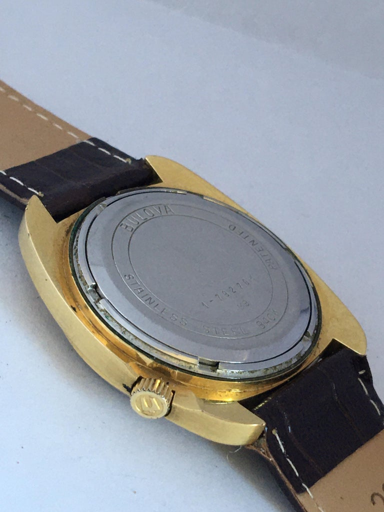 Vintage 1970s Gold-Plated Bulova Accutron Gent Watch For Sale 3