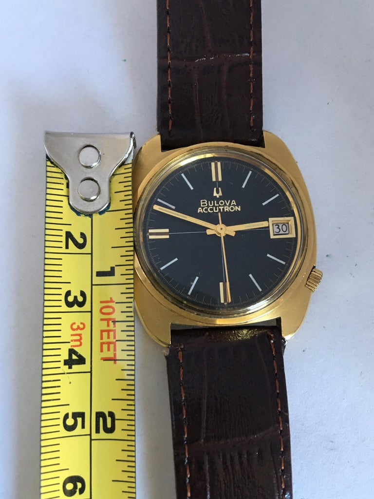 Vintage 1970s Gold-Plated Bulova Accutron Gent Watch For Sale 4