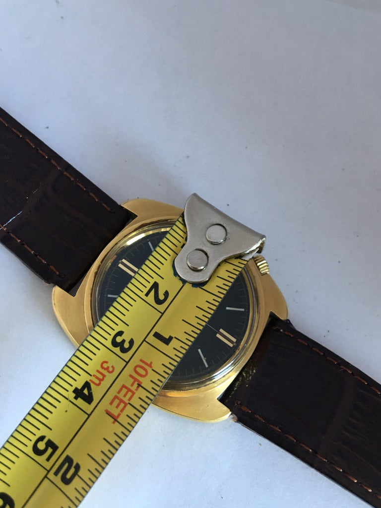 Vintage 1970s Gold-Plated Bulova Accutron Gent Watch For Sale 5