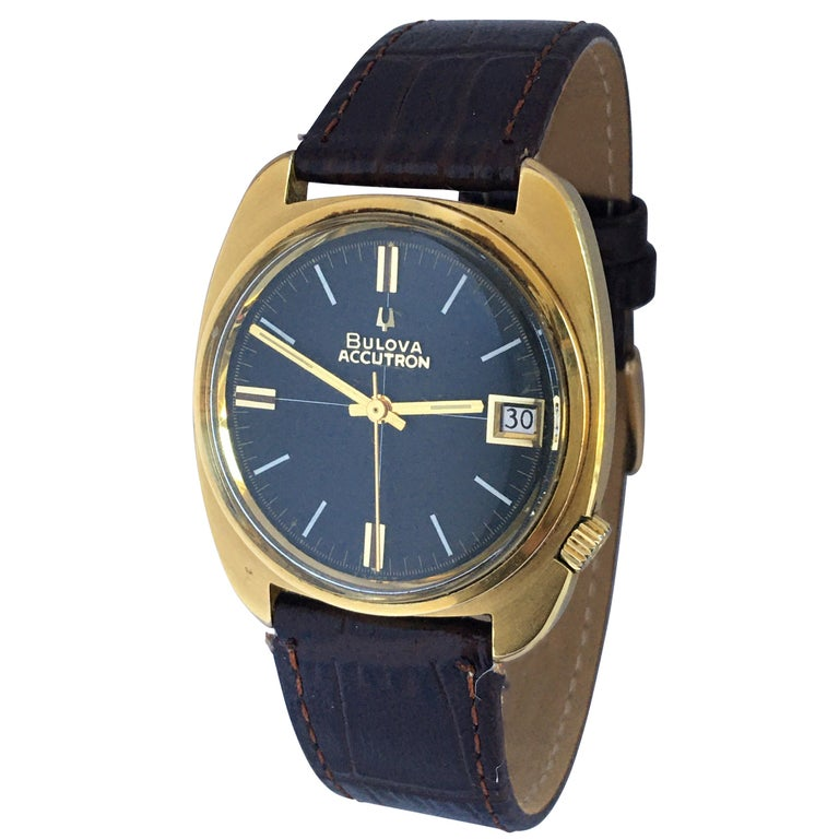 Vintage 1970s Gold-Plated Bulova Accutron Gent Watch For Sale