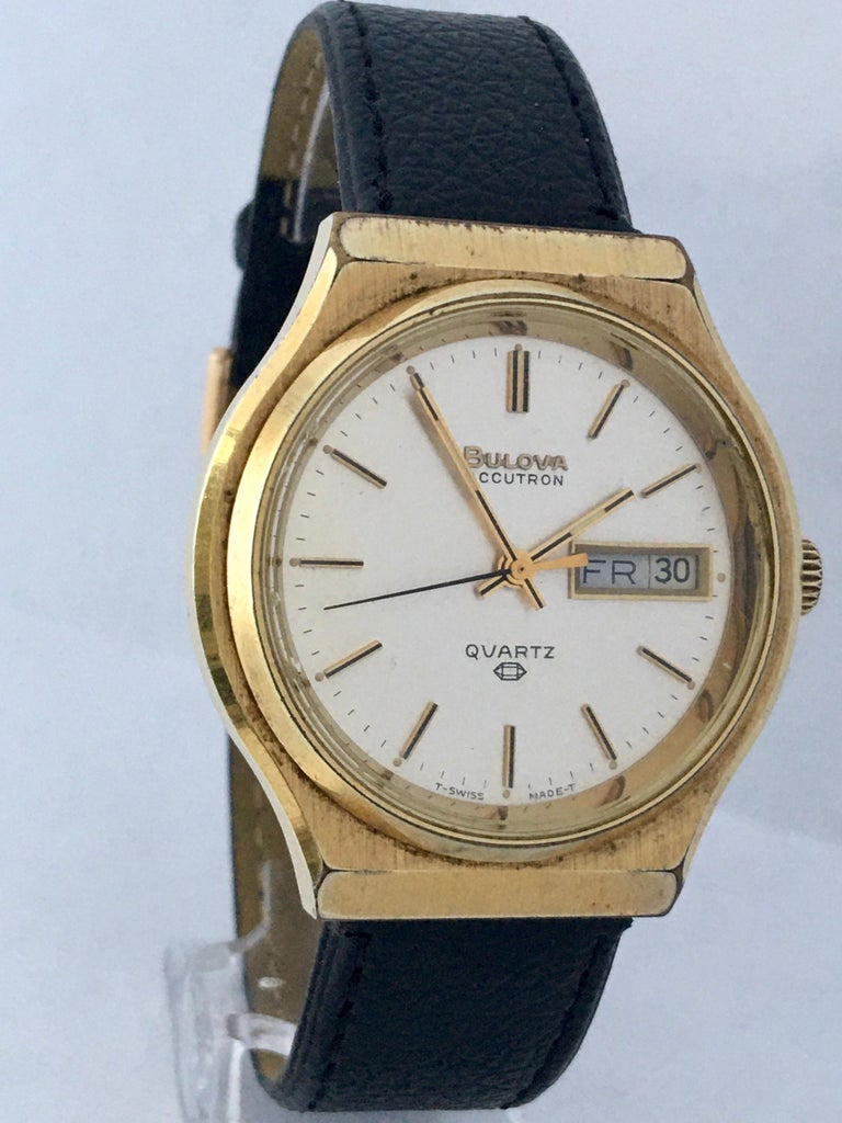 Vintage 1970s Gold-Plated Bulova Accutron Men's Watch For Sale 6