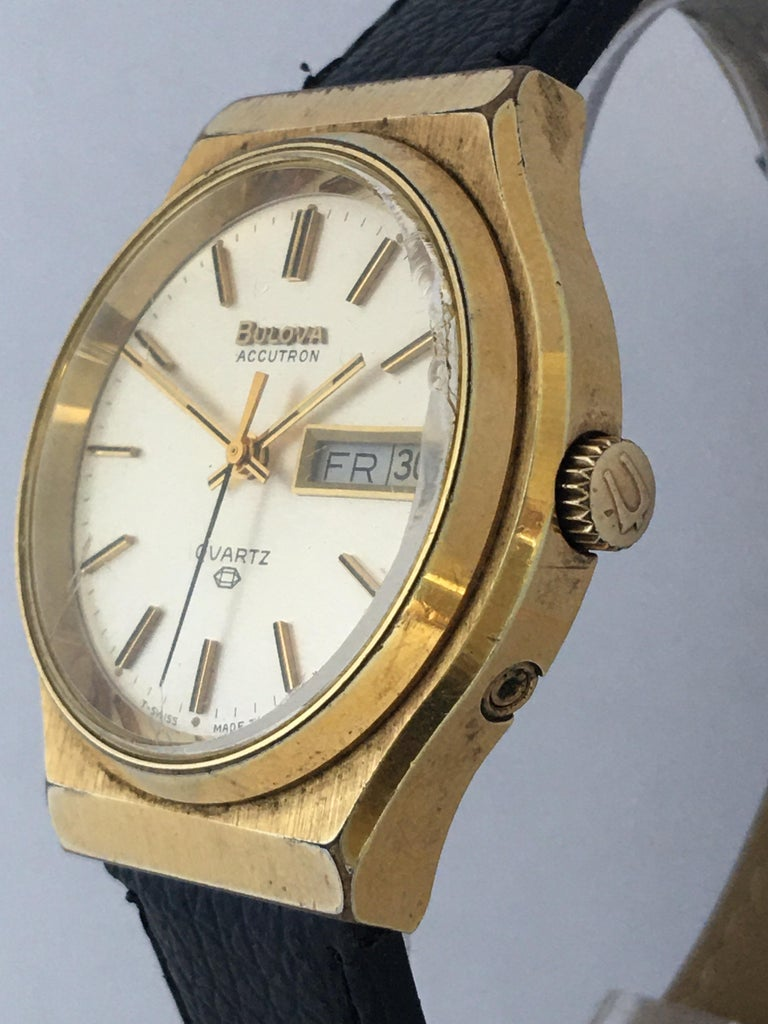 Vintage 1970s Gold-Plated Bulova Accutron Men's Watch For Sale 7