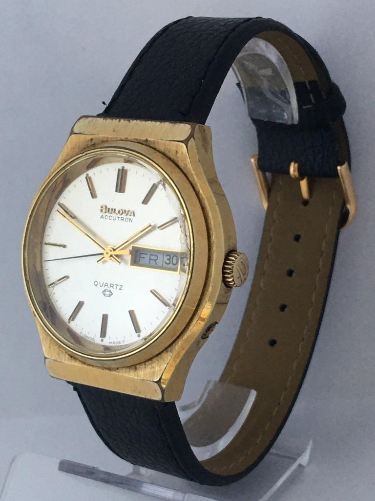 Vintage 1970s Gold-Plated Bulova Accutron Men's Watch For Sale 8