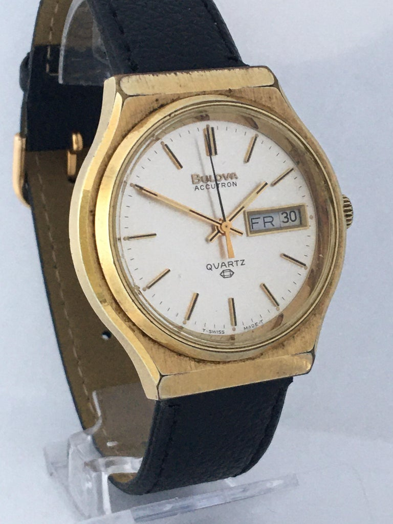 Vintage 1970s Gold-Plated Bulova Accutron Men's Watch For Sale 10