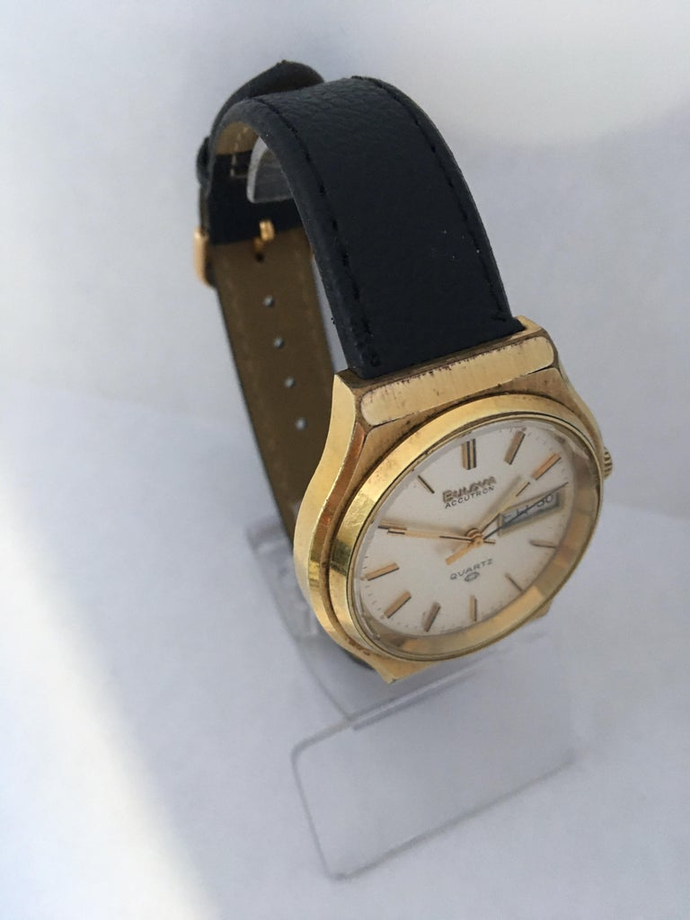 Vintage 1970s Gold-Plated Bulova Accutron Men's Watch For Sale 1