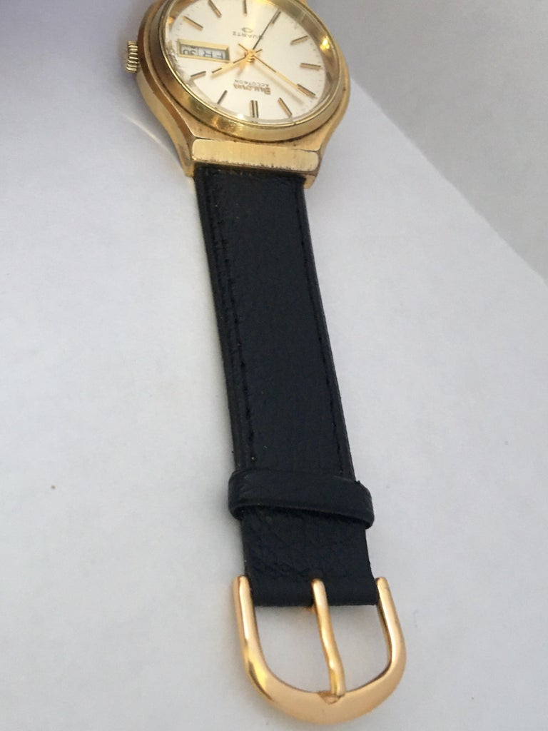 Vintage 1970s Gold-Plated Bulova Accutron Men's Watch For Sale 3