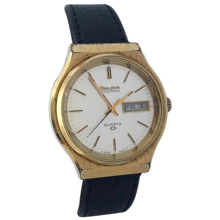 Vintage 1970s Gold-Plated Bulova Accutron Men's Watch For Sale