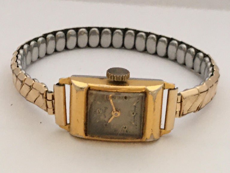 Vintage 1970s Gold-Plated Services Ladies Mechanical Watch For Sale 2
