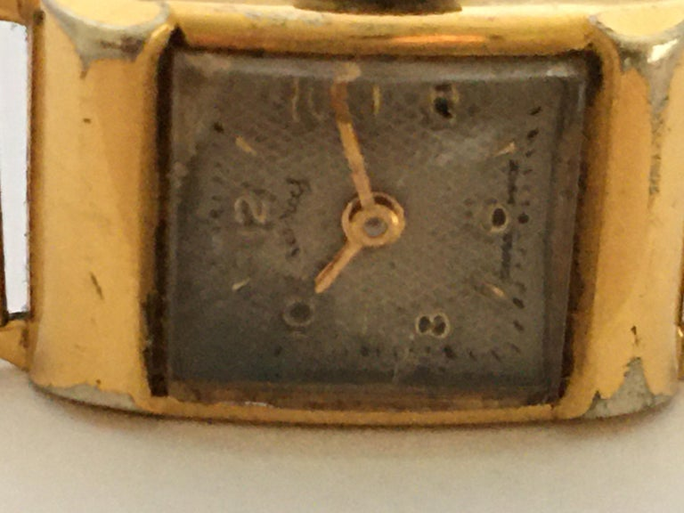 Vintage 1970s Gold-Plated Services Ladies Mechanical Watch For Sale 3