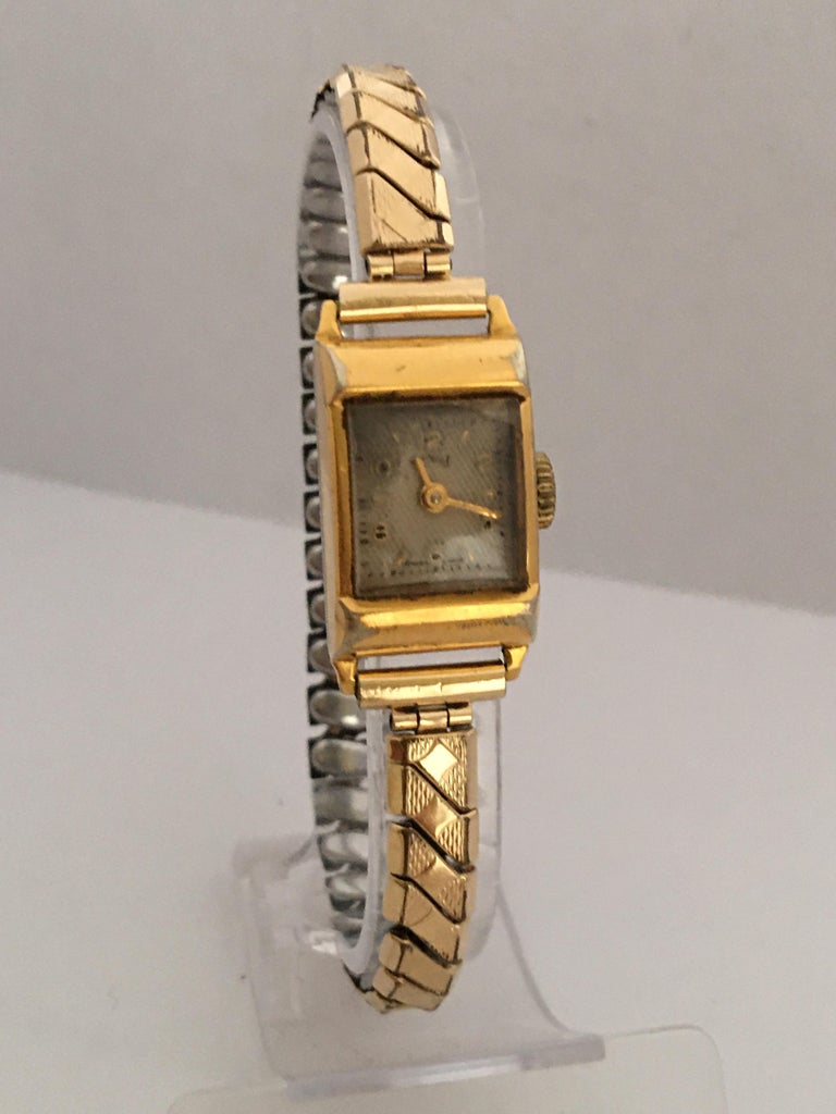 Vintage 1970s Gold-Plated Services Ladies Mechanical Watch For Sale 5