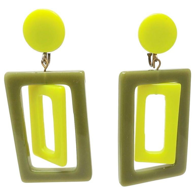 Vintage 1970s Green Plastic Dangle Earrings For Sale