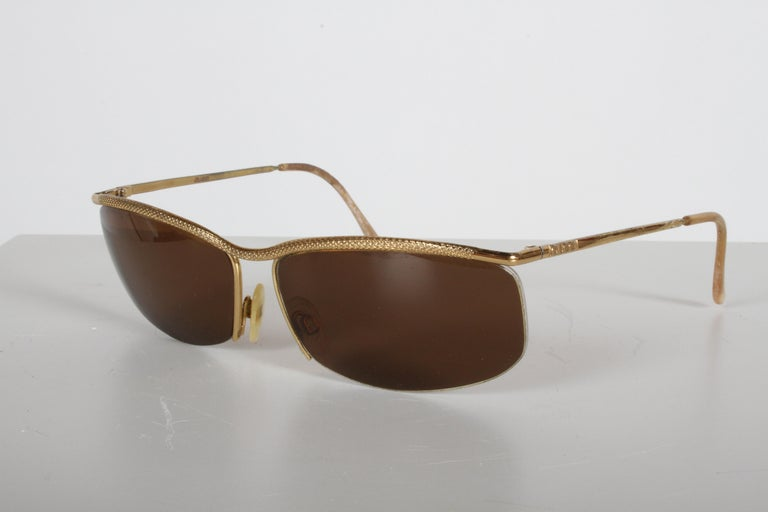 Vintage 1970s Gucci 22-Karat Gold-Plated Wrap Sunglasses with Brown Lenses Italy For Sale 3