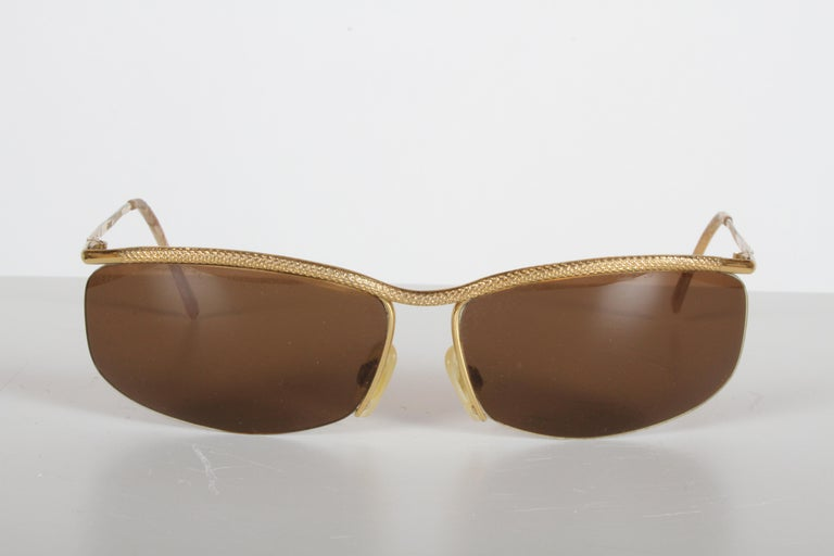 Vintage 1970s Gucci 22-Karat Gold-Plated Wrap Sunglasses with Brown Lenses Italy For Sale 6