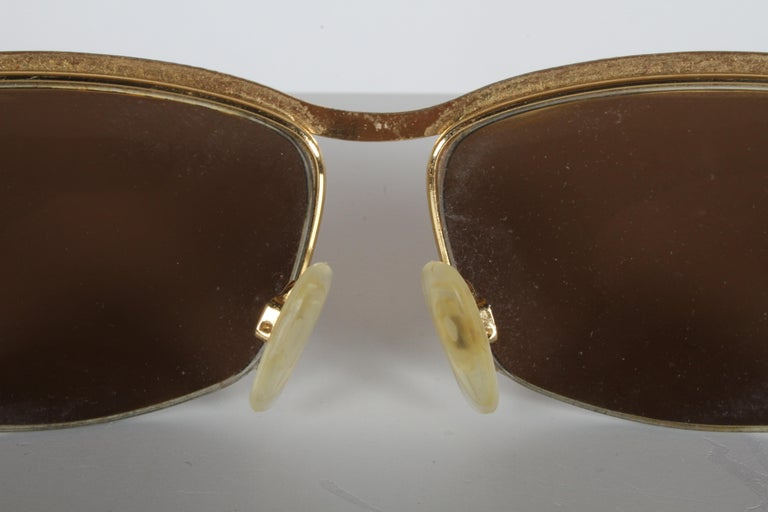 Metal Vintage 1970s Gucci 22-Karat Gold-Plated Wrap Sunglasses with Brown Lenses Italy For Sale