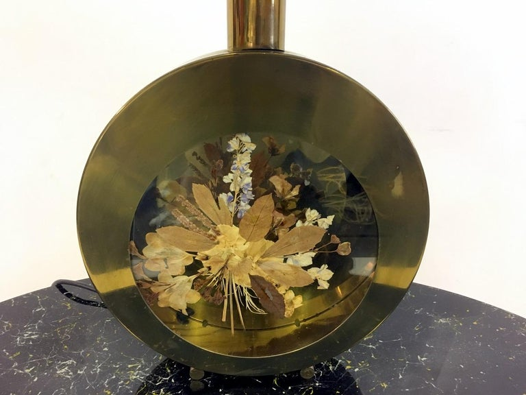 Hollywood Regency Vintage 1970s Italian Brass Table Lamp with Flowers For Sale