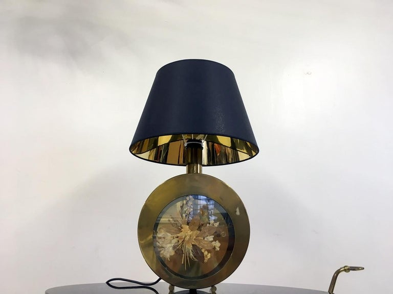 20th Century Vintage 1970s Italian Brass Table Lamp with Flowers For Sale