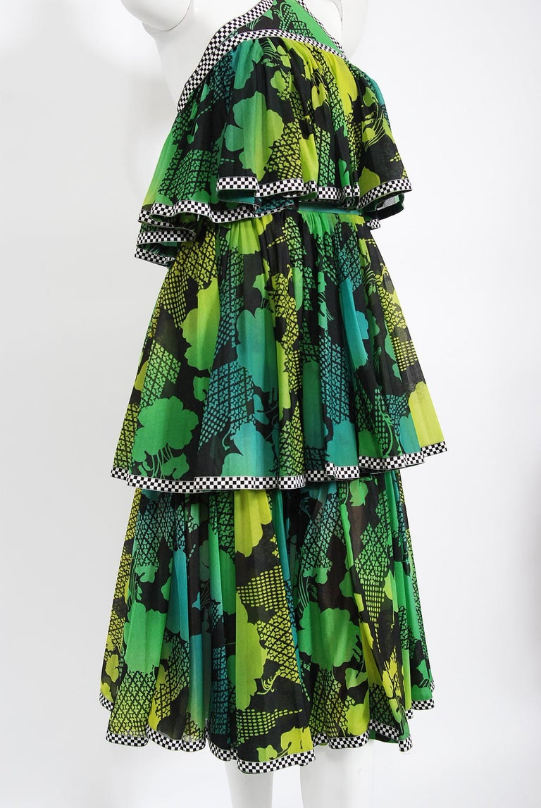 Vintage 1970's Jean Varon Green Graphic Floral Print Pleated Tiered Halter Dress In Good Condition For Sale In Beverly Hills, CA