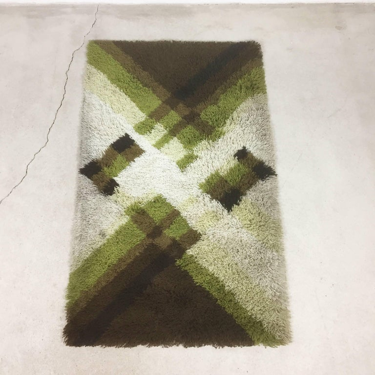 Article:  Original Rya rug   Decade:  1970s   Origin:  Netherlands   Producer:  Desso    Description:  This rug is a great example of 1970s pop art interior. Made in high quality Rya handmade weaving technique. This high