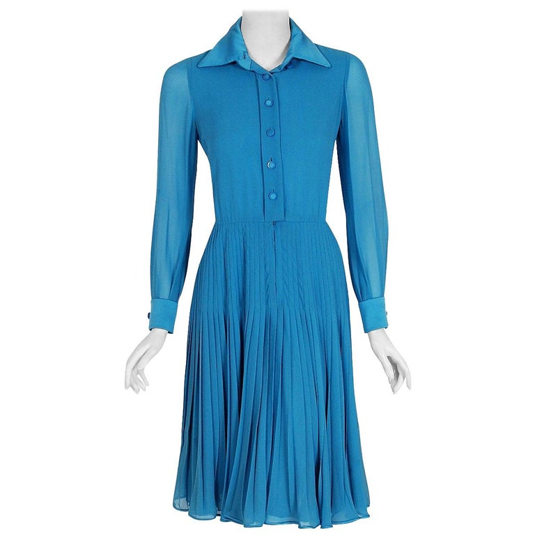 Vintage 1974 Valentino Couture Turquoise-Blue Chiffon Pleated Swing Shirtdress For Sale