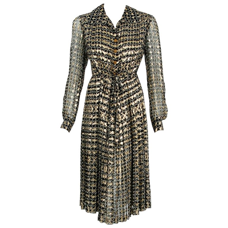 Vintage 1975 Chanel Haute-Couture Metallic Pleated Graphic Silk Belted Dress For Sale