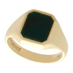 Vintage 1976 Bloodstone and Yellow Gold Signet Ring