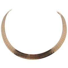 Vintage 1980s 14 Karat Yellow Gold Tri-Color Omega Choker Necklace