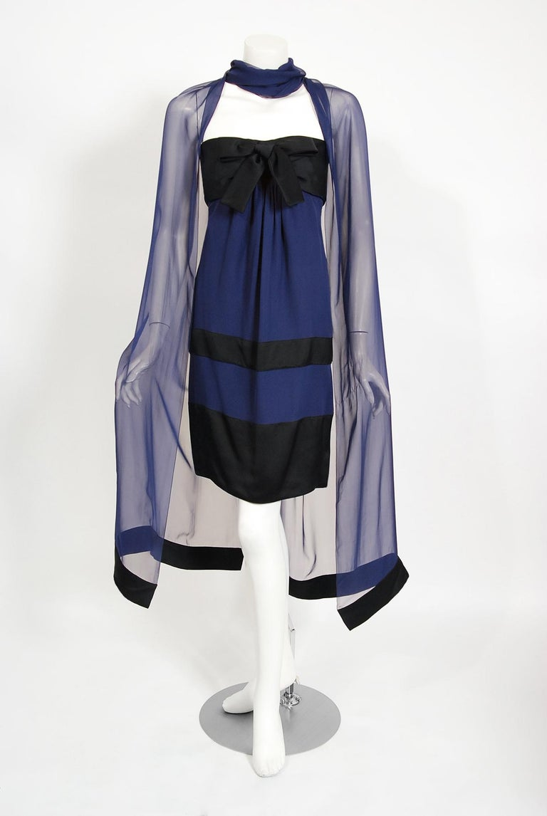 Vintage 1990 Chanel Runway Sapphire-Blue & Black Silk Strapless Dress w/ Shawl In Good Condition For Sale In Beverly Hills, CA