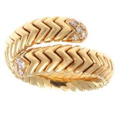 Vintage 1990s Authentic Bulgari Italy Diamond 18 Karat Gold Spiga Bypass Ring