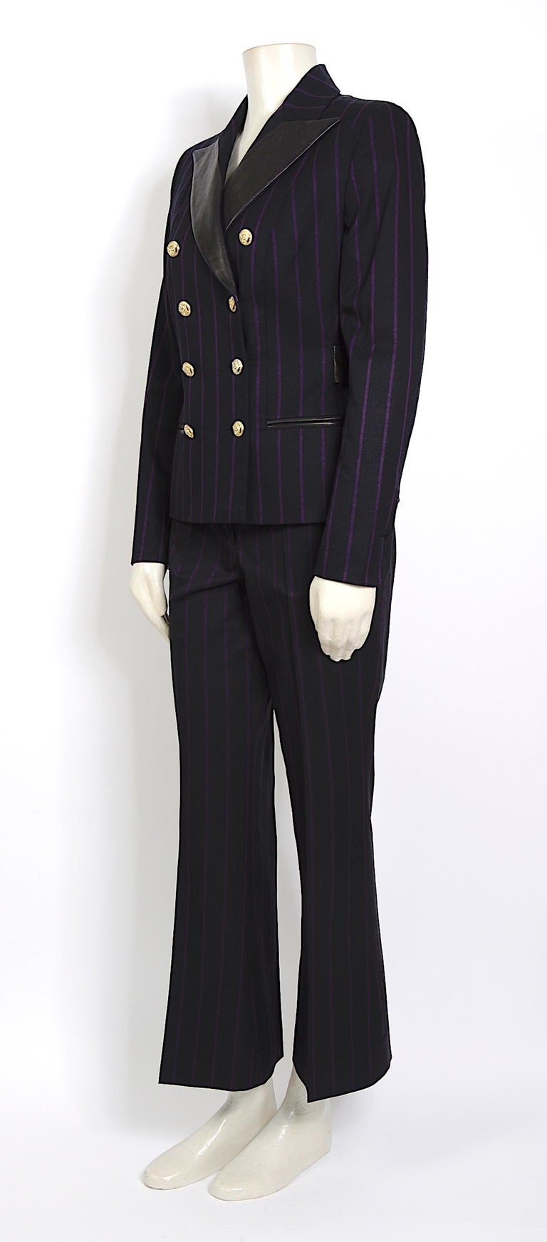 Vintage 1990s Gianni Versace purple striped black wool/silk & leather detail set In Excellent Condition For Sale In Antwerp, BE
