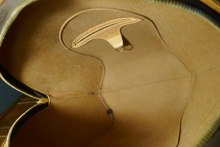 Vintage 1990s Louis Vuitton Ellispe MM Hand Bag For Sale 5