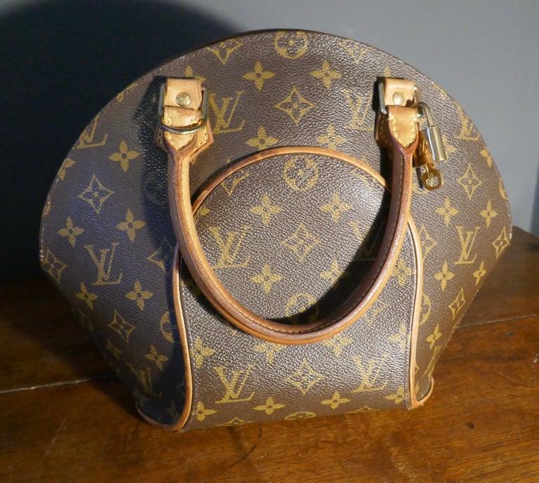 Women's Vintage 1990s Louis Vuitton Ellispe MM Hand Bag For Sale