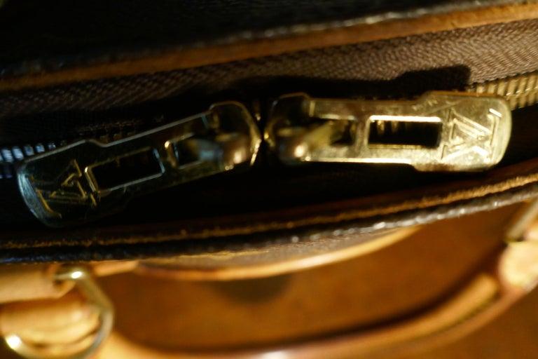 Vintage 1990s Louis Vuitton Ellispe MM Hand Bag For Sale 3