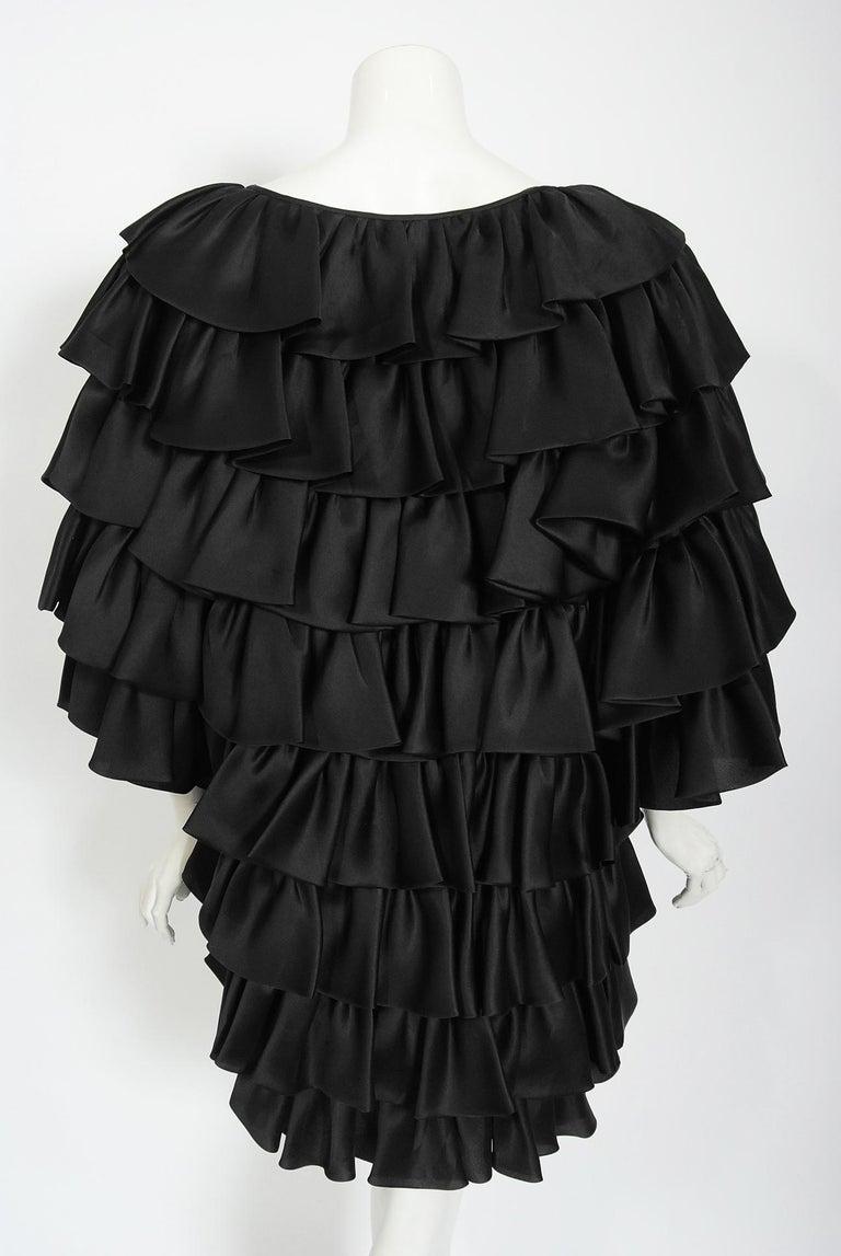Vintage 1990's Oscar de la Renta Black Silk Tiered-Ruffle Short Sleeve Jacket For Sale 6