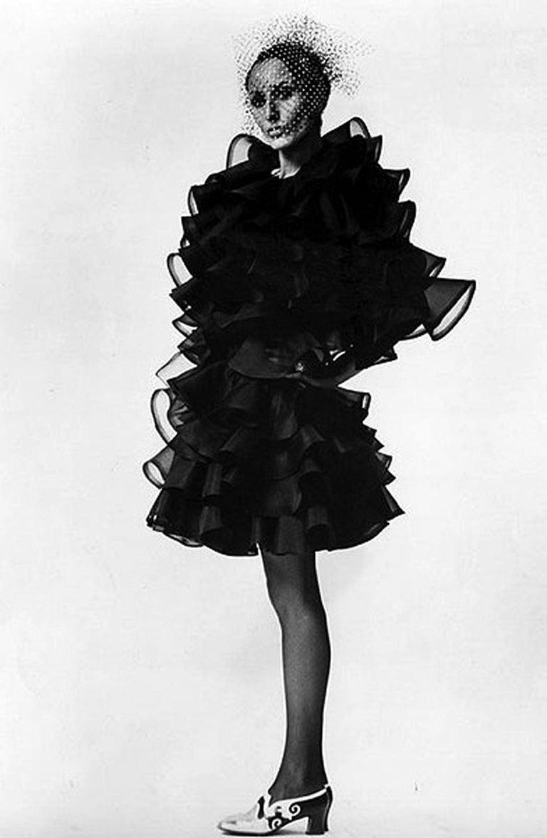 Vintage 1990's Oscar de la Renta Black Silk Tiered-Ruffle Short Sleeve Jacket For Sale 8