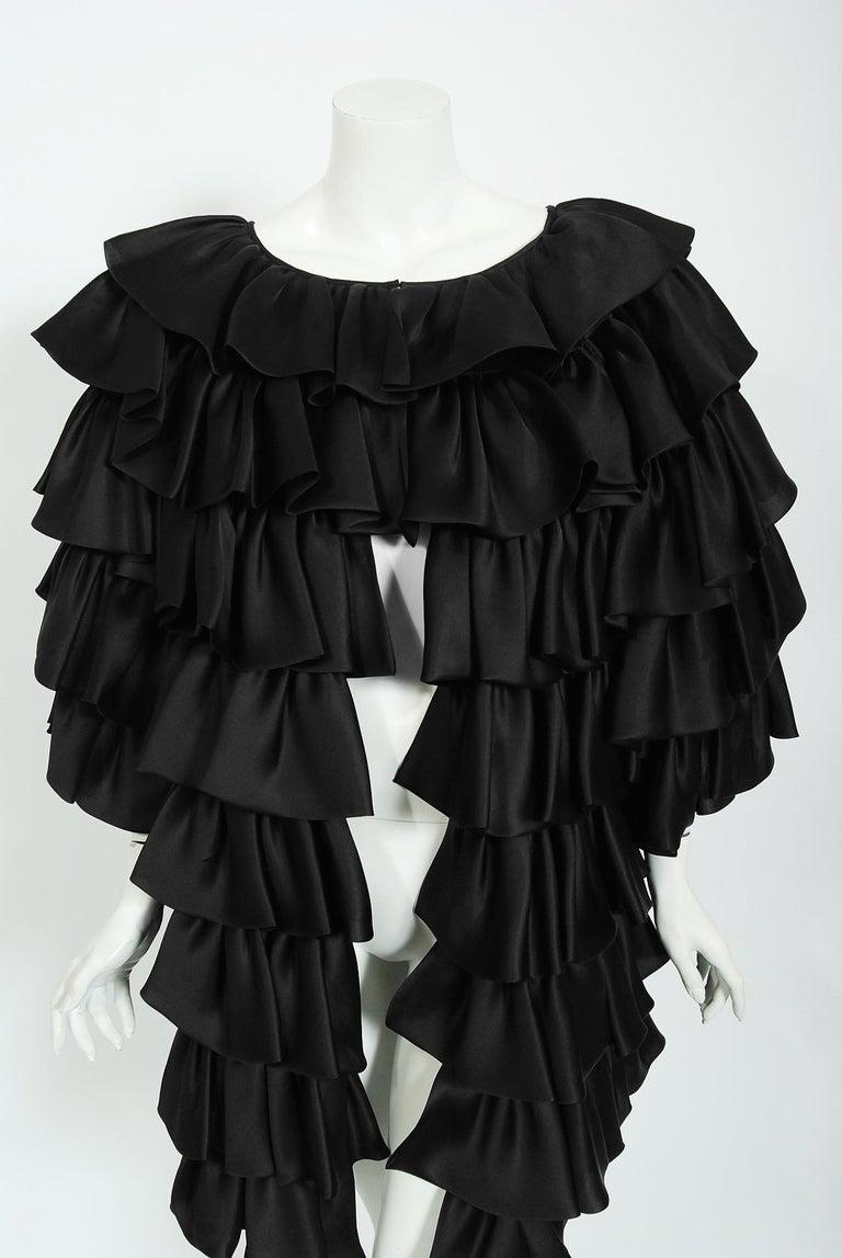 Vintage 1990's Oscar de la Renta Black Silk Tiered-Ruffle Short Sleeve Jacket For Sale 1