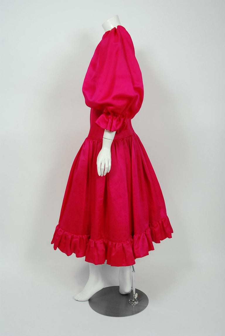Vintage 1990's Oscar de la Renta Pink Silk Puff-Sleeve Voluminous Ruffle Dress In Good Condition For Sale In Beverly Hills, CA