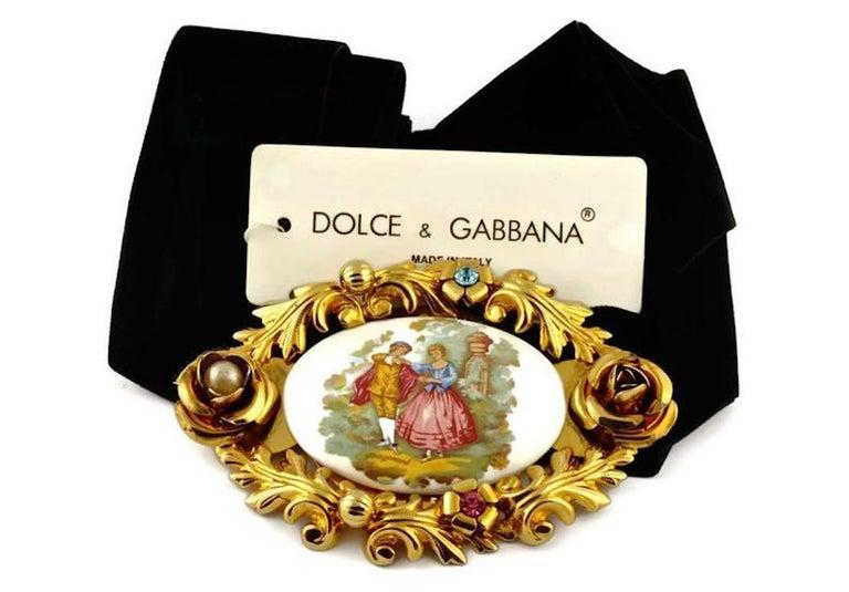 Women's Vintage 1992 DOLCE & GABBANA Christy Turlington Porcelain Painting Brooch For Sale