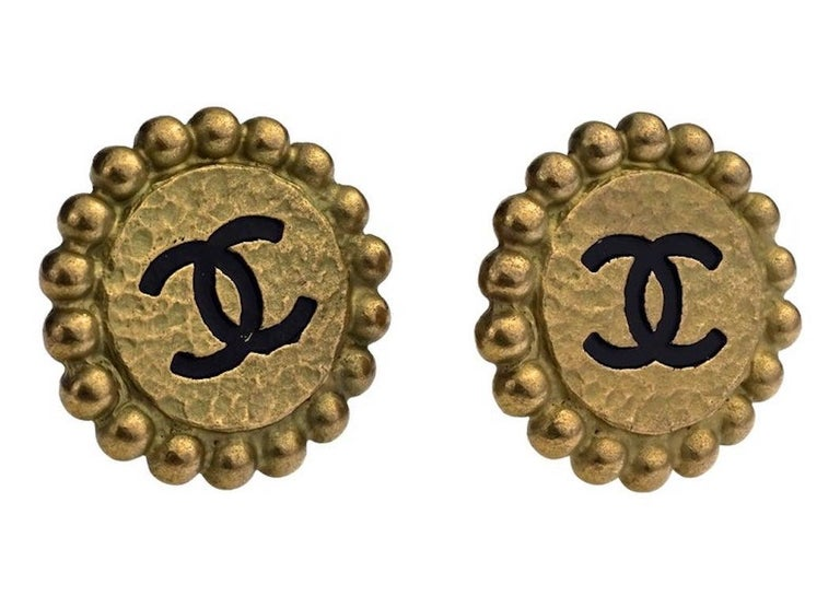 Women's Vintage 1994 CHANEL CC Logo Flower Earrings For Sale