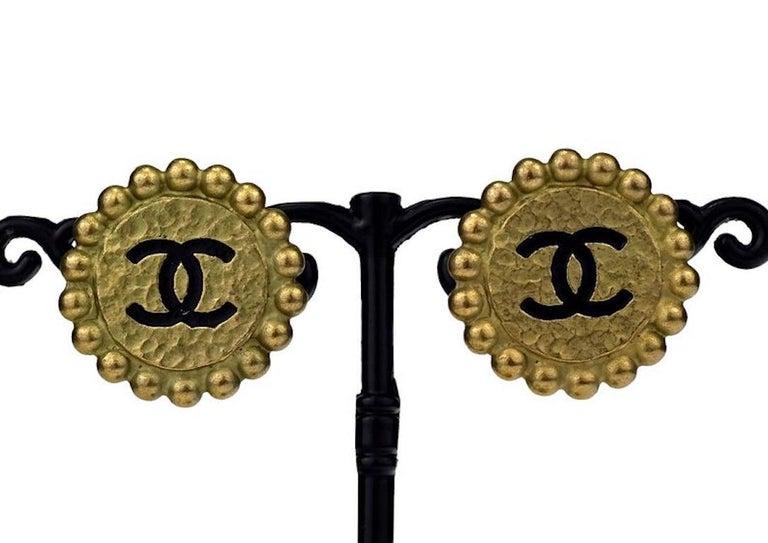 Vintage 1994 CHANEL CC Logo Flower Earrings For Sale 4