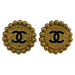 Vintage 1994 CHANEL CC Logo Flower Earrings