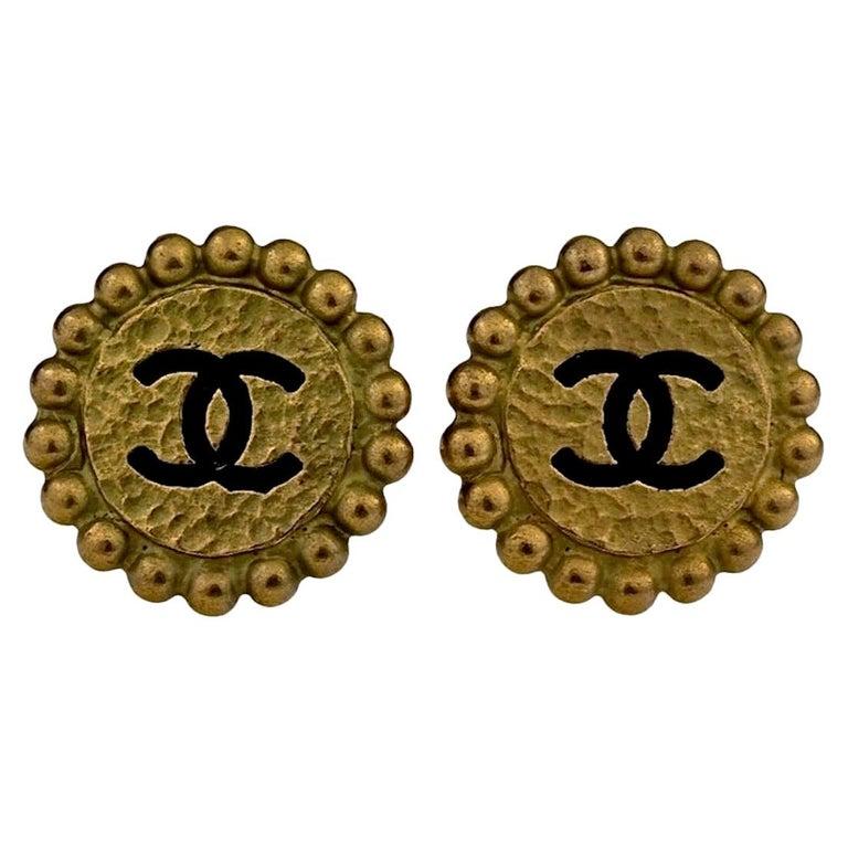 Vintage 1994 CHANEL CC Logo Flower Earrings For Sale