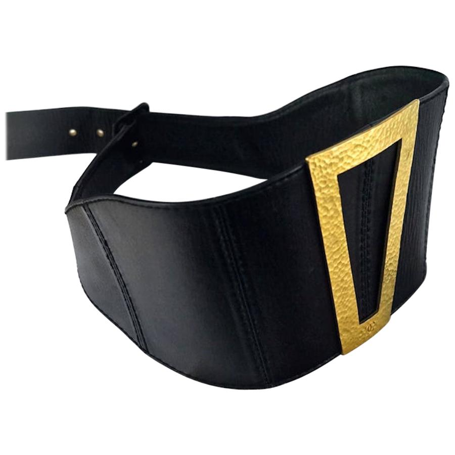 Vintage 1994 CHANEL CC Logo Wide Trapezoid Buckle Leather Corset Belt
