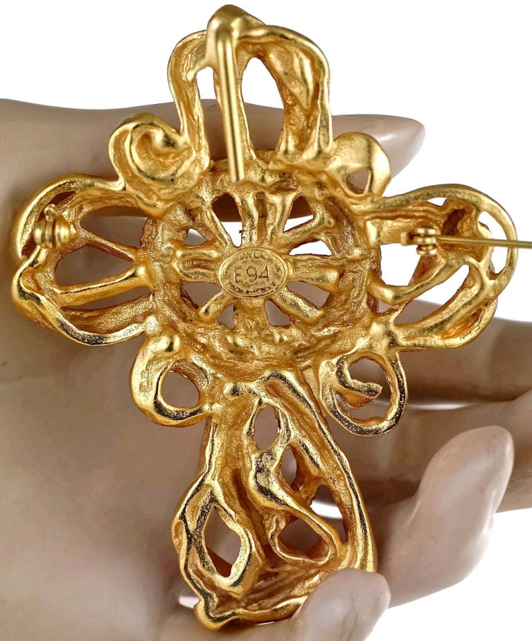 Vintage 1994 CHRISTIAN LACROIX Torsade Cross Brooch Pendant Necklace For Sale 6