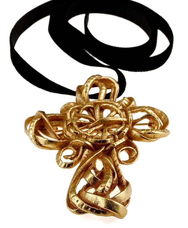 Vintage 1994 CHRISTIAN LACROIX Torsade Cross Brooch Pendant Necklace For Sale 1